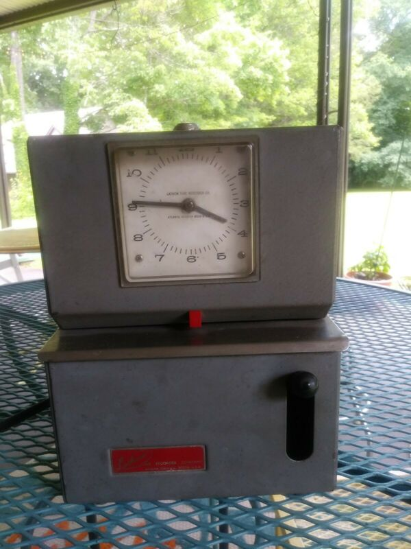 Vintage Lathem Punch Time Clock Mechanical Recorder Industrial Factory No Keys