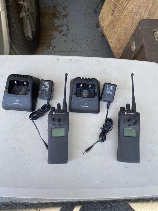 Motorola XTS2500 UHF R2 Split Radios  540-520 with Battery