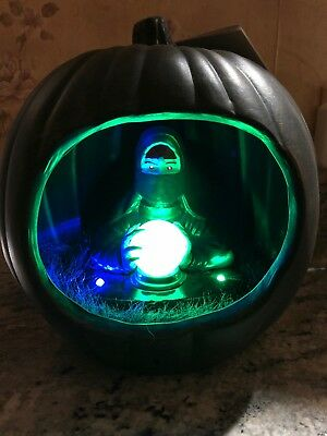 Gemmy Halloween Diorama Lighted Sound Fortune Teller Pumpkin New 9