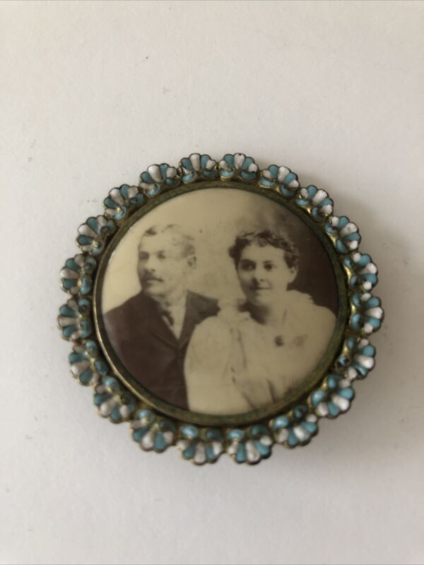 Antique Enamel Mourning  Brooch Couple Photo Pin  Men Woman C Catch As Is