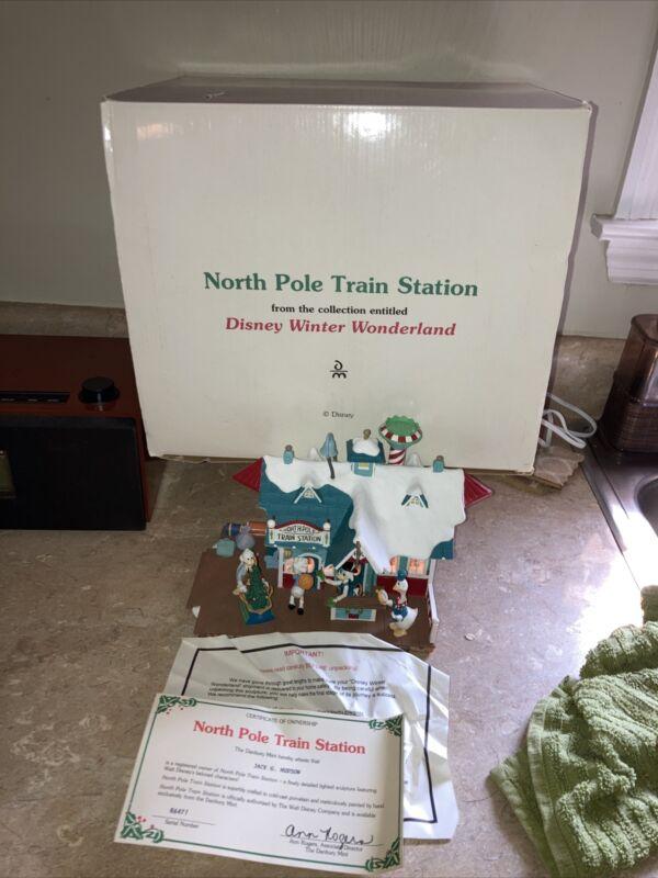 Disney   Danbury Mint Winter Wonderland  North Pole Train Station