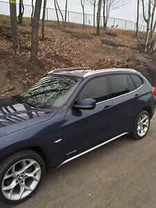 2012 BMW X1 - Fully Loaded - Factory Warranty