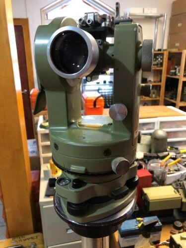 Theodolite Leica Wild T1 used and good Heerbrugg, Swiss Surveyor