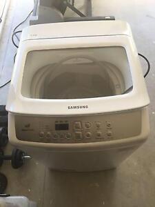 5.5kg Samsung washing Machine ''Still under warranty'' Golden Bay Rockingham Area Preview