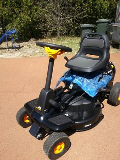 MCCULLOCH RIDE ON LAWN MOWER..NEW...NEVER USED...NEW.. Pinjarra Murray Area Preview