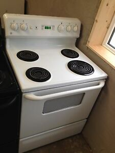 3 year old GE coil top stove