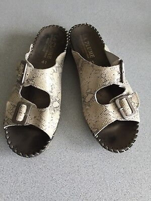 La Plume Jen Italian Leather Beige Python Wedge Sandal Slides 10.5 US, 41 EU for sale  McKinney