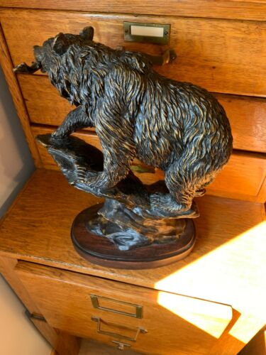 BEAUTIFUL LARGE HERITAGE MINT 2007 GRIZZLY BEAR STATUE WITH FREE SHIPPING