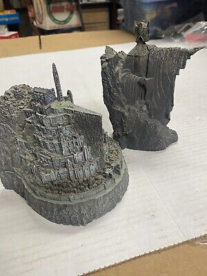 Lord of the Rings Argonath Statue & Minas Tirith DVD Collectibles