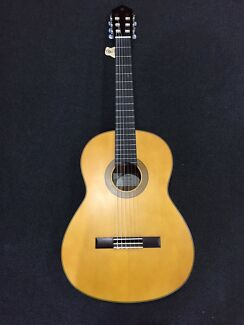 BRAND NEW YAMAHA CG122MS SOLID TOP CLASSICAL GUITAR $90 OFF RRP