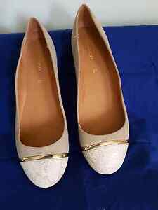 Beige and gold flat shoes Maryland Newcastle Area Preview