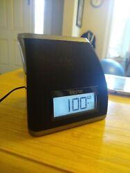 iHome IP21 Charging Dock/Alarm Clock 30-pin W/AC Adapter