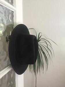 Akubra black hat