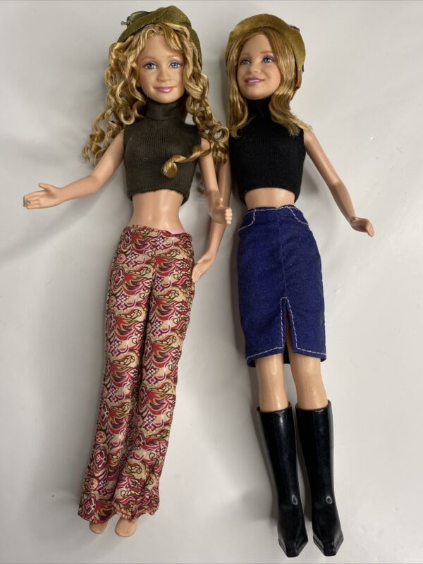 2 Doll Lot - Mary-Kate and Ashley Olsen Twins Dolls  Dressed In Clothes