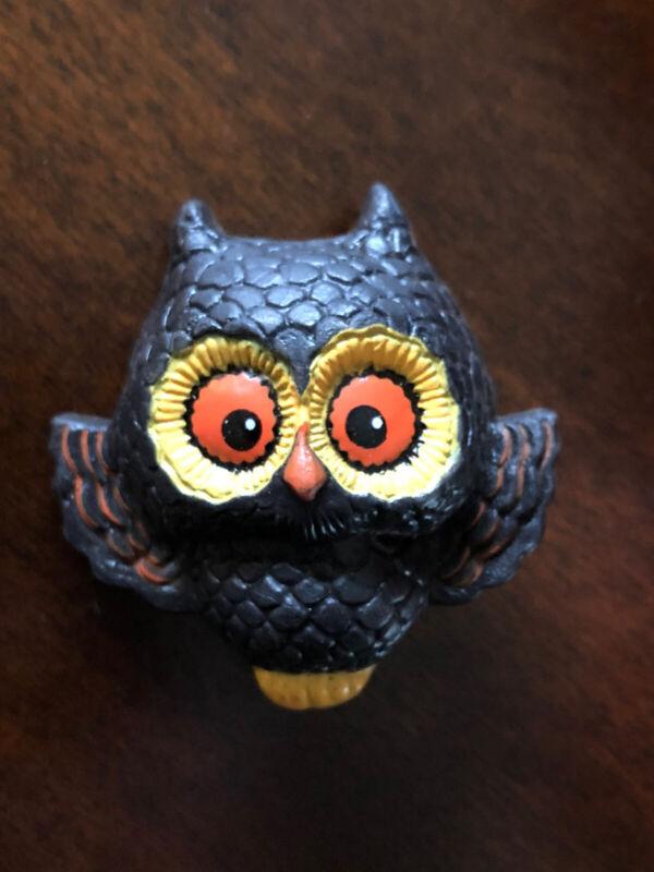 HALLMARK OWL HALLOWEEN PIN VINTAGE