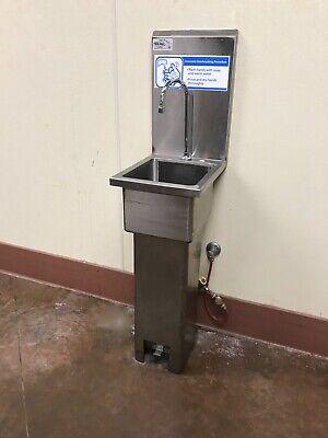 Win-holt Hands Free Hand Sink With Pedestal Base Deli Restaurant Bakery.
