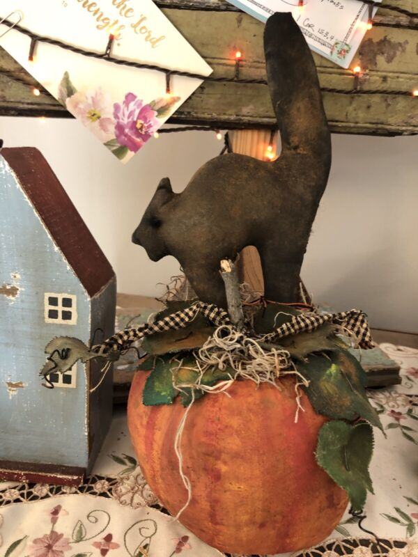 ScaReDy CaT PrImiTive FoLk Art RuStic Plush Decoration Doll Handmade CoUntry