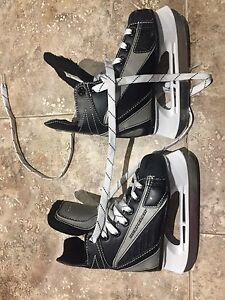 Hockey skates asking $25