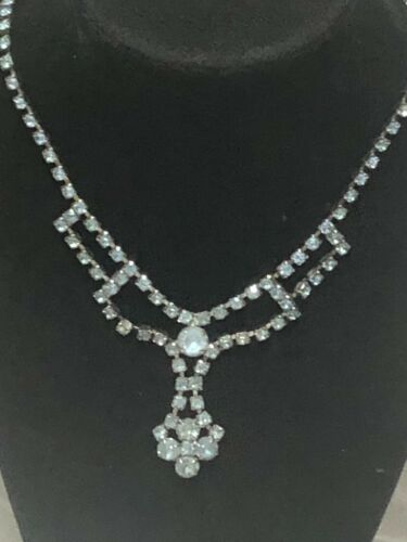 ART DECO SHINY AQUAMARINE GLASS DEMI PARURE EARRINGS and NECKLACE