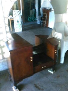 Vintage dressing table. Camp Hill Brisbane South East Preview
