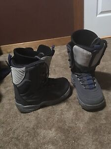 Snow board boots