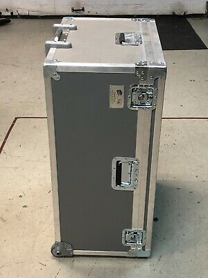 Road Flight Case Shipping Case Reusable Container Handle Wheels 24 X 17 X 36