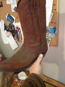 Cowboy boot 10.5 e & hat