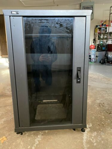 18U Middle Atlantic Equipment Rack Glass Door All Sides Doors Removable Casters