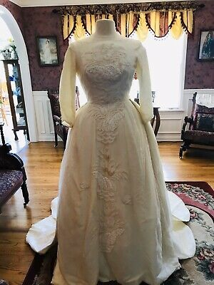 Vintage 1940s Wedding Gown. Custom Made With Detachable Train