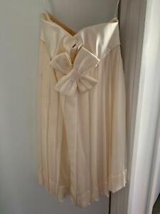 Clothing, Shoes, Accessories Lisa Ho Designer Ivory High Waist Shorts Size 8