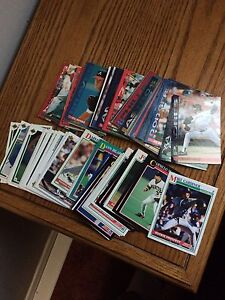 100 assorted old baseball cards