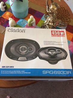 Brand new clarion 6x9 speakers 450w