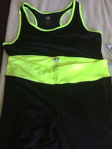 3 pieces of new yoga/exercise clothjng
