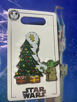 Disney Parks Holiday Christmas 2020 Star Wars Yoda Decorating Christmas Tree Pin