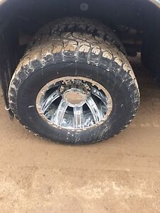 Ford dually wheel and tires
