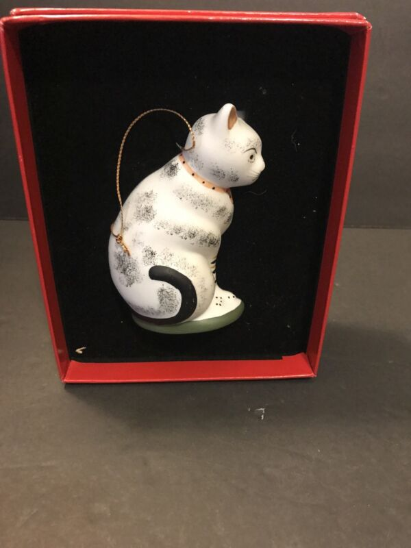 Vintage Metropolitan Museum of Art Ceramic Chinese Cat Ornament Figurine 1993