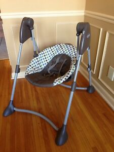 Graco portable baby swing - battery operated