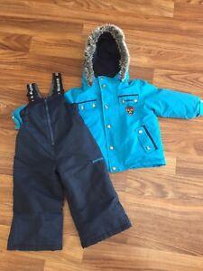 Size 2t Oshkosh snowsuit