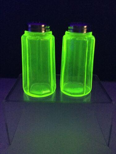 """Mosser, Small 4"""" Panel Vaseline Glass, Salt & Pepper Set"""