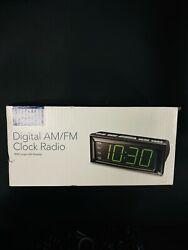 NEW Insignia AM / FM Clock Radio W/ Large Led Display NS-CLOPP2 Black Dual Alarm