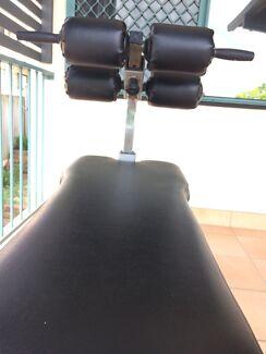 TechnoGYM - Adjustable Crunch/Abs Bench