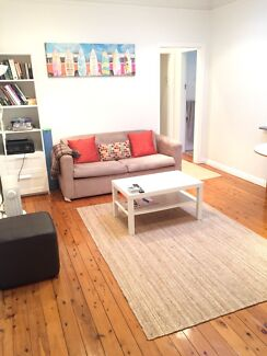 DOUBLE ROOM AVAIL IN BEAUTIFUL FLAT GREAT LOCATION