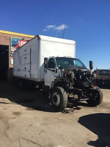 2005 GMC C7500 FOR PARTS 24' Box