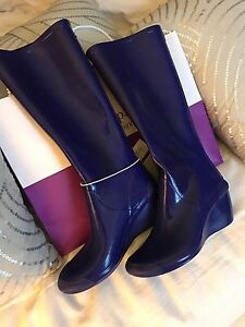 Rain boots brand new Cougar size 8