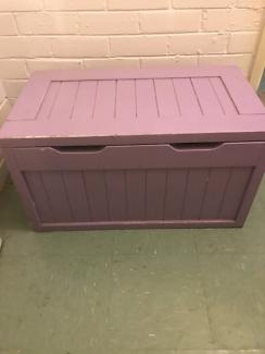 Blanket /toy box