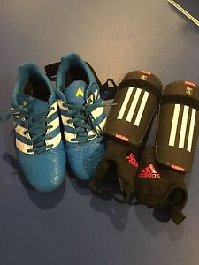 Kids Adidas Size 5 Soccer Shoes and Shin Pads