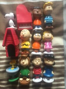 Charlie Brown/Snoopy collection (mini figurines)
