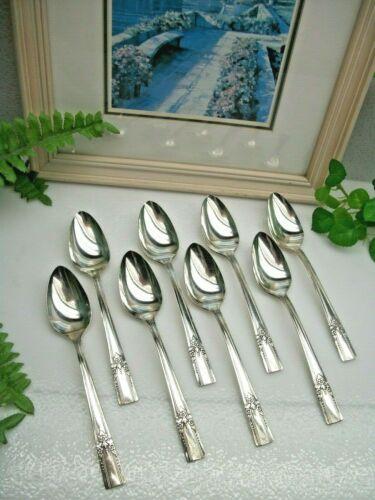 Vintage   8   Oneida  Wm A Rogers   ARTISTIC   Silverplate  Teaspoons  1940