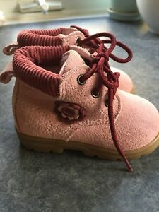 Baby girl hiking boots size 3