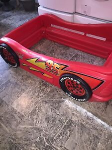 Lightning McQueen Toddler Bed, Bedding and Wall Decals